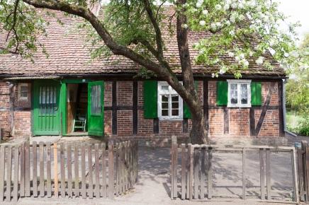 4-Gärtnerhaus außen